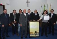Câmara Municipal  homenageia Jornalista Leonardo Schenato Barroso