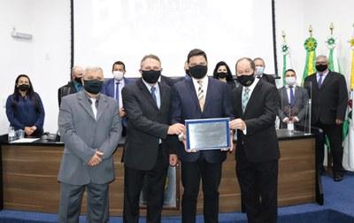 Câmara outorga Título de Cidadania Honorária a Sandro Alex