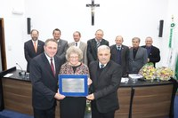 Legislativo outorga Título de Cidadã Benemérita à Professora Lenita Ruva