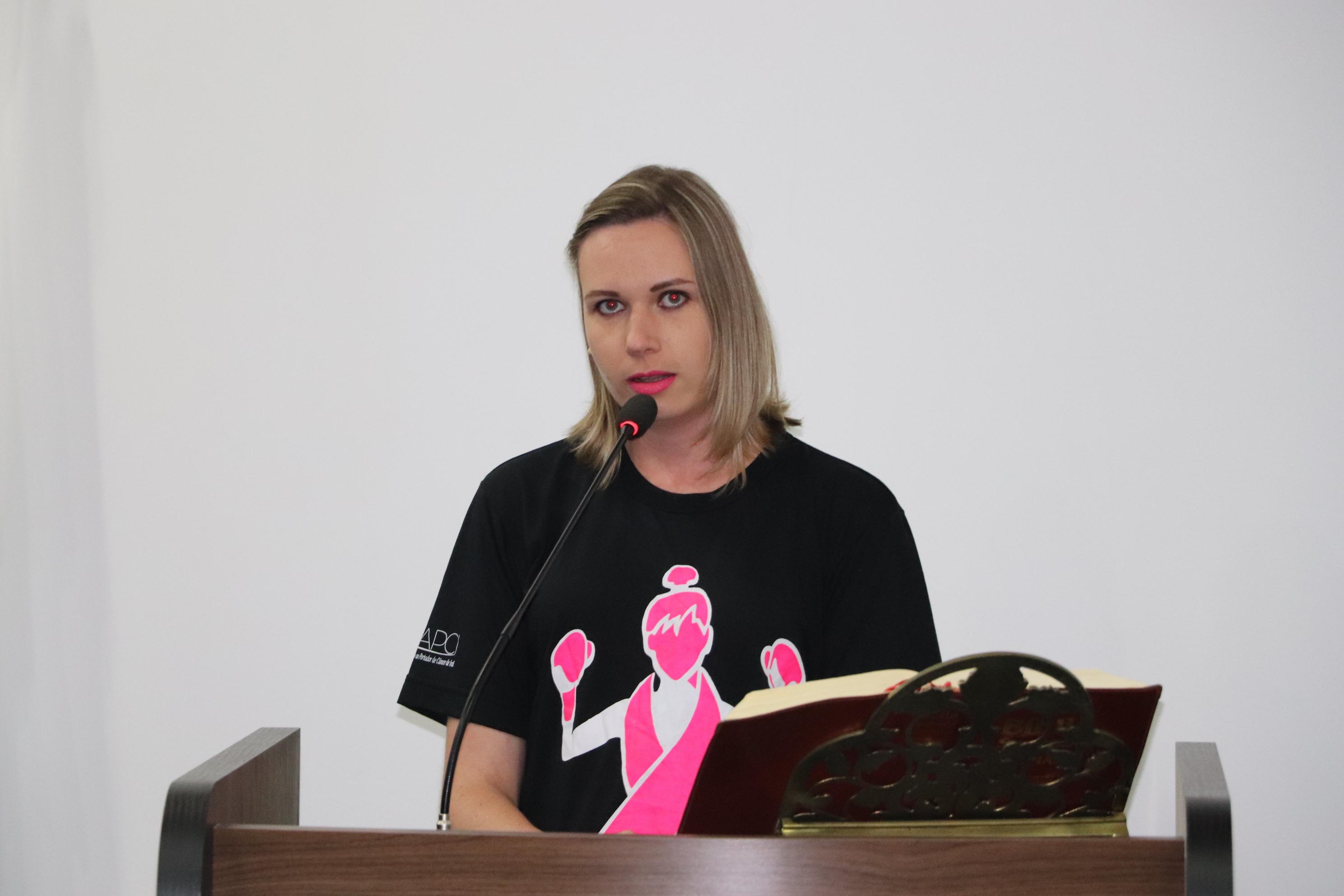 Na Tribuna, iratiense compartilha experiência de luta e superação contra o câncer de mama
