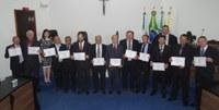 Prefeito eleito, vice e vereadores são diplomados pelo TRE