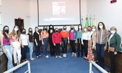 Vereadora participa do 1º Intercâmbio Macrorregional das Secretarias de Assistência Social da região e explana sobre a Procuradoria da Mulher da Câmara